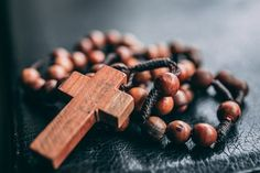 Praying The Rosary, Holy Rosary, Yoga Vidya, Contemplative Prayer, Sauce Barbecue, Buddhist Prayer, Meditation Prayer, Bracelets With Meaning, Communion Gifts