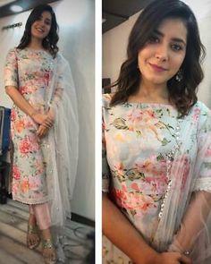 designer suits for women indian ~ designer suits for women indian Designer Salwar Kameez, Designer Anarkali Dresses, Pakistani Designer Suits, Indian Designer Wear, Pakistani Salwar Kameez, Indian Designer Clothes, Latest Pakistani Suits, Salwar Designs, Kurta Designs Women