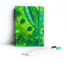 Notebook Green spring. Elastic band. Hand painted por kinmcuadernos, €12.00