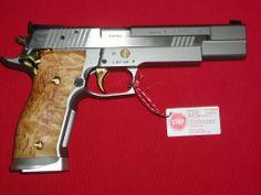 SIG-Sauer P226 X-Six SCANDIC