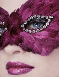 Intense pink elegant mask