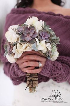 bouquet violet YES! Yes! Yes! I absolutely love the idea of a winter wedding and love this color combination!!! :)