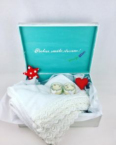 Relax Smile Dream! Set lumanari parfumate, prosoape si ceramica parfumata, asezate intr-o cutie lucrata manual Toy Chest, Storage Chest, Shabby Chic, Relax, Toys, Home Decor, Atelier, Activity Toys, Decoration Home