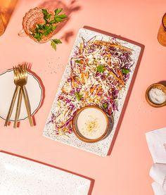 Salade de chou crémeuse au miel | Recettes d'ici Recipe Master, Cabbage Salad, Special Recipes, Cooking Time, I Foods, Master Chef, Honey, Blog, Style