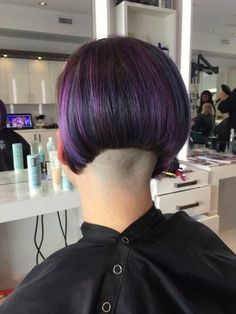 Edgy Haircuts, Stacked Bob Hairstyles, Girls Short Haircuts, Cool Hairstyles, Wild Hairstyles, Shaved Bob, Shaved Nape, Shaved Sides, Hair Dye Colors