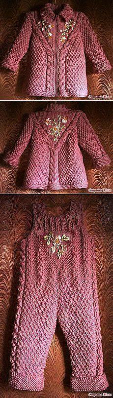 Детское пальтишко и штанишки с вышивкой