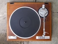Dual CS 5000 turntable.