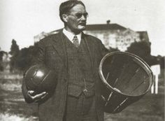 Η ιστορία της καλαθοσφαίρισης James Naismith, Abraham Lincoln, Basketball, Sports, Fictional Characters, Athletes, Gym, First Time, Respect
