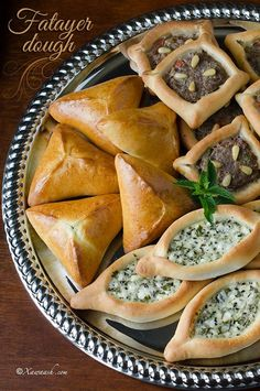 Middle Eastern recipes – Fatayer Dough (Cajiin Fataa'ir) Pâte à Fatayer عجينة فطائر Lebanese Cuisine, Lebanese Recipes, Turkish Recipes, Greek Recipes, Persian Recipes, Lebanese Fatayer Recipe, Iranian Cuisine, Middle East Food, Middle Eastern Recipes