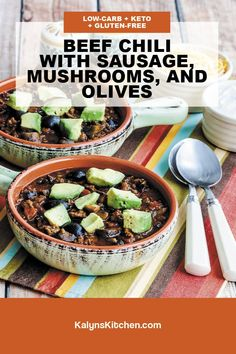 Low Carb Chili Recipe, Chili Recipes, Chili Without Beans, Stew, Acai Bowl, Sausage, Stuffed Mushrooms, Gluten Free, Herbs