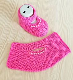 Hashtag Gulumsetenmarifetlerpatik Su In - Diy Crafts Baby Booties Knitting Pattern, Crochet Slipper Pattern, Baby Shoes Pattern, Booties Crochet, Crochet Baby Shoes, Crochet Baby Booties, Baby Knitting Patterns, Knitting Socks, Knit Baby Sweaters