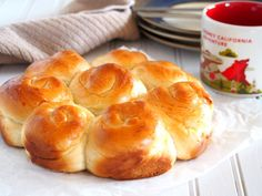 This Milk bread recipe produces soft and fluffy rolls that are mildly sweet and are perfect for your choice of spread or jam. Milk Bread Recipe, Bread Recipes, Baking Recipes, Brunch Recipes, Rolls Recipe, Bun Recipe, Recipe Link, Bread Rolls, Dinner Rolls