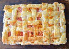 Bacon, Egg and Tomato Pie Tomato Pie, Bacon Egg, Spanakopita, Lunch Ideas, Eggs, Breakfast, Ethnic Recipes, Desserts, Blog