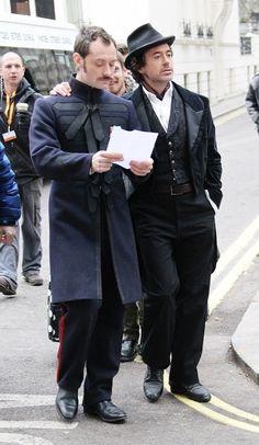 Sherlock Holmes & John Watson (Robert Downey Jr. & Jude Law) - Sherlock Holmes 2
