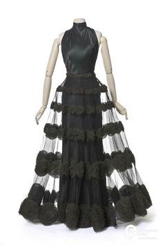 Evening dress, Madeleine Vionnet. 1936. Courtesy of Les Arts Décoratifs, Paris. All rights reserved.