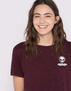 Pull&Bear - mujer - ropa - camisetas - camiseta parche alien - granate - 09239302-I2016