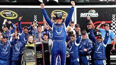 Aric Almirola #43 wins 30 years after Richard Petty wins his last race.