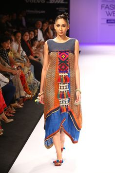 Shruti Sancheti LIFW 2012 Winter- as style tribes came into play- they wore loose dresses with tribal inspiration and/or lots of patterns