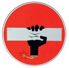 CLET ABRAHAM (Français, né en 1966) Bomba Umana, 2014 Adhésifs sur panneau de signalisation Vinyl stickers on metal Diam : 60 cm – 23.6 in  - Digard Auction - 11/06/2014