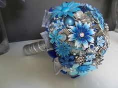 Blue Wedding Ideas - www.WeddingSearchesGuide.com