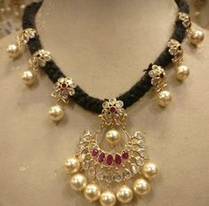 Pearl Jewelry, Indian Jewelry, Gold Jewelry, Pearl Necklace, Gold Necklaces, Jewelry Sets, Jewels, Beads, Gold Designs