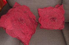 bloemen van stof op kussen