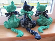 como hacer un molde de gato Ideas de Manualidades cute food diy garten witzig Sewing Toys, Sewing Crafts, Sewing Projects, Cat Crafts, Diy And Crafts, Homemade Stuffed Animals, Cat Pillow, Doll Tutorial, Stuffed Animal Patterns