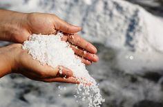 Emlékszel a keserűsóra, ma is lehet kapni a neve: Epsom-só – Azt beszélik Salt Brands, Sea Salt, Stock Photos, Pure Products, Image, Lighter, Aztec, Mythology, Blog