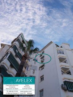 Vista exterior toldo habitación punto recto Lacado en blanco, tejido color CANADA. Instalación en Avd. Moliere (Málaga) www.ayelex.com