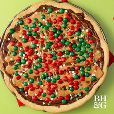 """641 Likes, 30 Comments - Better Homes & Gardens (@betterhomesandgardens) on Instagram: """"Our Holiday Cookie Pizza can truly be the go-to for all occasions! Swap out the colors and candy to…"""""""