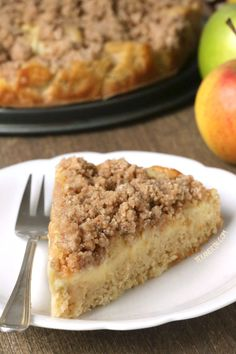 This German apple pudding cake has a layer of apples and pudding and is topped off with streusel! whole grain and dairy-free. ** I used 2 large apples. Next time add a bit of nutmeg & double the cinnamon. Healthy Cake Recipes, Apple Recipes, Healthy Desserts, Fall Recipes, Sweet Recipes, Delicious Desserts, Pie Dessert, Dessert Recipes, German Apple Cake