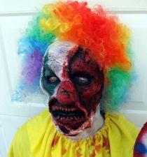 free makeup for teens Scary Clown Costume, Zombie Halloween Costumes, Scary Clown Mask, Scary Clowns, Scary Halloween, Halloween Face Makeup, Zombie Makeup, Clown Makeup, Fx Makeup