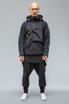 gilapple: ACRONYM® Remastered for the first time in Gore-Tex® Pro Best Mens Fashion, Look Fashion, Urban Fashion, Fashion Design, Moda Cyberpunk, Cyberpunk Fashion, Moda Streetwear, Streetwear Fashion, Mode Masculine