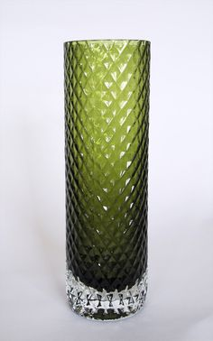 Fixed blown clear or olive green glass. 220 and 280 mm.