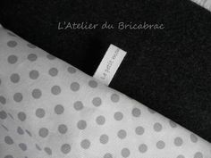 un tuto pour réaliser ses propres étiquettes Coin Couture, Couture Sewing, Techniques Couture, Sewing Techniques, Sewing Hacks, Sewing Tutorials, Learn To Sew, How To Make, Creation Couture