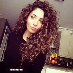 cheveux-frisés-14                                                                                                                                                                                 Plus