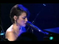 """Norah Jones -- """"Don't Know Why"""" live at Ancienne Belgium 2010 (no Auto-Tune here)"""