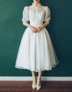 Simple Dresses, Elegant Dresses, Pretty Dresses, Vintage Dresses, Beautiful Dresses, Vintage Tea Dress, Tea Length Wedding Dress, Elegant Wedding Dress, White Tea Length Dress