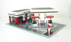Lego Custom Gas Station City Town - Every city needs a fuel station; this one will fit in any city perfectly.