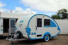 roadstar rio teardrop - Google Search Teardrop Campers, Vintage Campers, Caravans, Recreational Vehicles, Rio, Google Search, Guys, Camper, Vintage Caravans