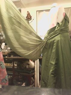 Up~cycling this Opera dress into my Steampunk Ball Gown ♥ Turning train into Bustle with wings out of an Umbrella
