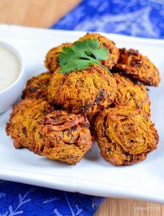 Syn Free Oven Baked Onion Bhaji Onion Bhaji Recipes, Veg Recipes, Curry Recipes, Indian Food Recipes, Vegetarian Recipes, Cooking Recipes, Savoury Recipes, Recipies, Healthy Recipes