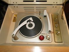 1958 RCA Victor New Orthophonic High Fidelity Record Player / Stereo
