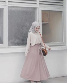 Fashion Hijab Casual Dresses Muslim 59 New Ideas Source by Source by FashionTipsAndAdvice ideas muslim Modern Hijab Fashion, Street Hijab Fashion, Hijab Fashion Inspiration, Muslim Fashion, Skirt Fashion, Islamic Fashion, Geek Fashion, Fashion Outfits, Photoshoot Inspiration