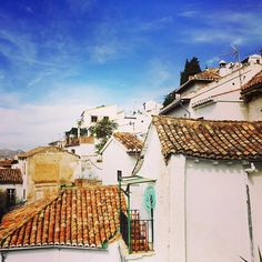 Enjoying rooftops and clouds in beautiful #Granada!  #andalucia #albaicin #spain #southernspain #redroofs #alhambra #getaway #travel #europe #travelbug