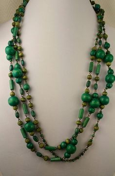Charming Estate Green Wood Rope Necklace