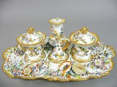 A 19TH CENTURY ENGLISH PORCELAIN DESK STAND,
