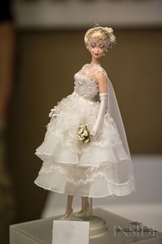 A Dutch Barbie collector in Holland Barbie Bridal, Barbie Wedding Dress, Wedding Doll, Barbie Dress, Bridal Dresses, Wedding Gowns, Flower Girl Dresses, Vintage Barbie Clothes, Doll Clothes