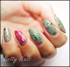 Betty Nails: Christmas Nailart #3 - Mollon Pro MonoPhase Carolyn