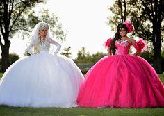 Gypsy Wedding Dress for the Bride Who Loves Poofy, Dreamy Casual Wedding Dress // My note: OMFG. Gypsy Wedding Gowns, My Big Fat Gypsy Wedding, Ugly Wedding Dress, Gipsy Wedding, Wedding Dresses For Sale, Wedding Fun, Casual Wedding, Wedding Humor, Wedding Season